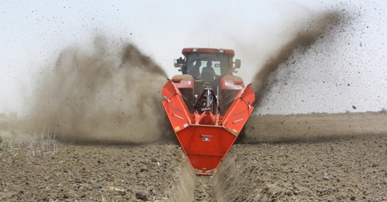 "Double Wheel Ditcher ""Big Storm"" in Senegal"