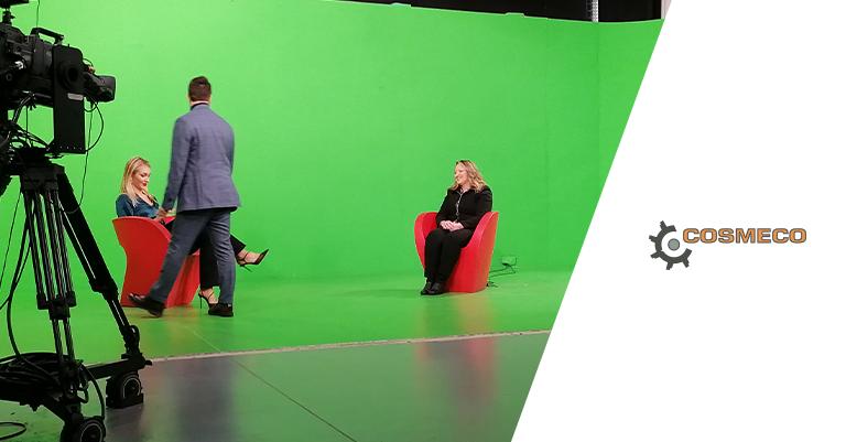 Cosmeco si racconta durante un'intervista su Sky